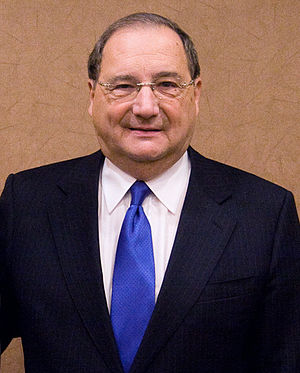 English: Abraham Foxman at a Hudson Union Soci...
