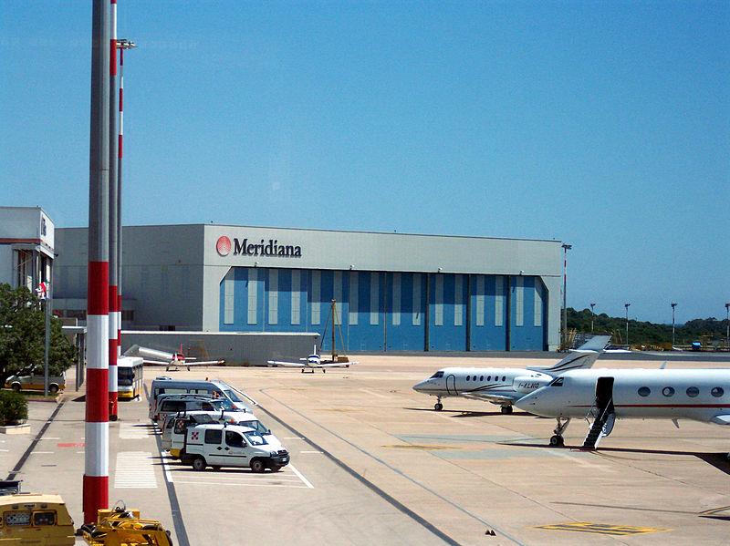 File:Aeroporto Olbia Costa Smeralda Meridiana.jpg