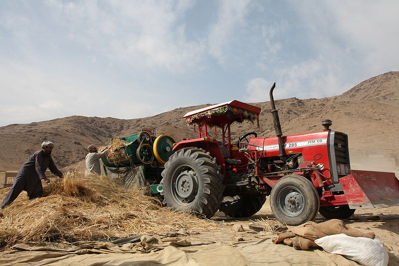 File:Afghan agricultural workers in 2009.JPG