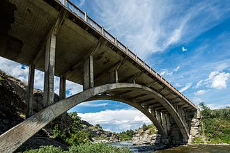Alberta Highway 3 - An arch bridge built in 1953 carried Highway 3 across the Crowsnest River near Lundbreck Falls until a new bridge was constructed further downstream in 1967