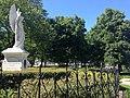 Alkmaar - standbeeld Victorientje in Victoriepark 01.jpg