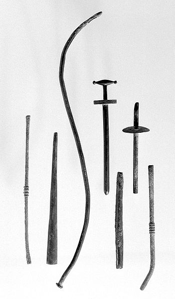 File:Ancient Roman and Greek surgical instruments (A-G) Wellcome L0009951.jpg