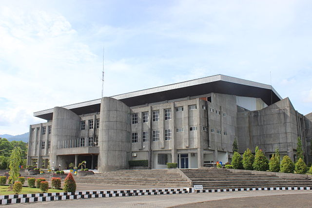 640px-Andalas_University_auditorium.JPG (640×427)