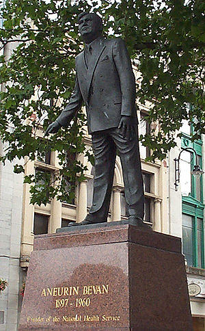 Aneurin Bevan - Statue of Bevan in Cardiff by Robert Thomas