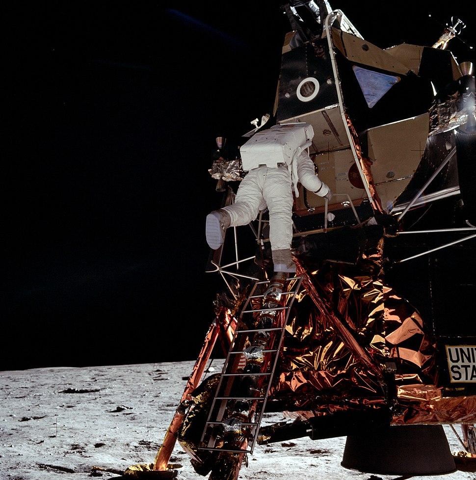 Apollo AS11-40-5866