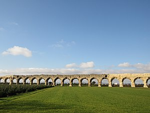 Aqueduct of the Gier - Vestiges of the Roman aqueduct in Chaponost; maximum height of arches, 15 m.