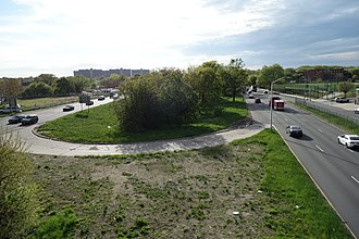 Conduit Avenue - The median of Conduit Avenue (pictured) would have been used for the Bushwick Expressway.