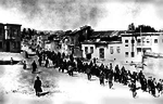 Armenians marched by Ottoman soldiers, 1915.png