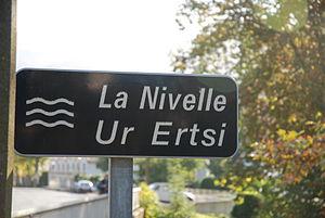 Ascain - Bilingual sign at Ascain