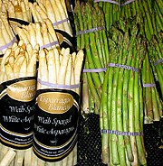 White asparagus (left) and green asparagus (right)