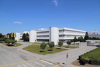 Opel Wien - Image: Aspern (Wien) Opel Werk, Verwaltungsgebäude (2)