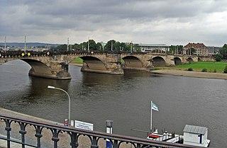 Augustusbrücke in Dresden von der Brühl'schen Terrasse aus