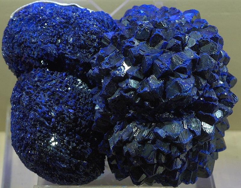 синий цвет минерала азурит