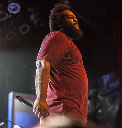 Picture of a band or musician: Bas