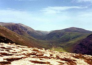 Beinn a' Chaorainn (Cairngorms) - Looking up Glen Derry from the slopes of Derry Cairngorm with Beinn a' Chaorainn (right) and Beinn Mheadhoin (left).