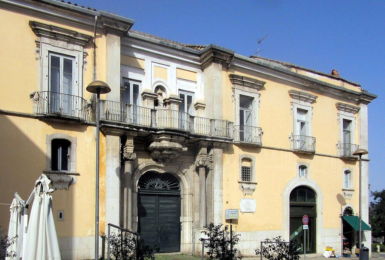 File benevento palazzo rotondi andreotti leo casa natale for Casa moderna wiki