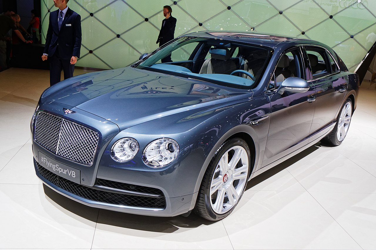file bentley flyingspur v8 mondial de l 39 automobile de paris 2014 wikimedia commons. Black Bedroom Furniture Sets. Home Design Ideas