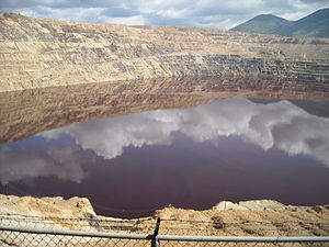 English: The Berkeley Pit, an open pit copper ...
