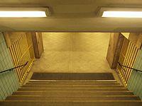 Berlin - U-Bahnhof Turmstraße (9490700078).jpg