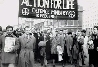Anti-nuclear movement in the United Kingdom - Bertrand Russell (centre) alongside his wife, Edith, leading a CND anti-nuclear march in London, 18 February 1961