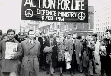 Russell (centre) alongside his wife Edith, leading a CND anti-nuclear march in London, 18 February 1961 Bertrand Russell leads anti-nuclear march in London, Feb 1961.jpg