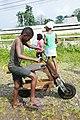 Bicyclette en bois à la roça Agostinho Neto (São Tomé) (4).jpg
