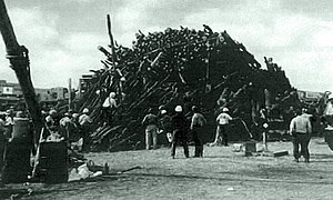 1999 Aggie Bonfire collapse - Bonfire recovery, November 18, 1999