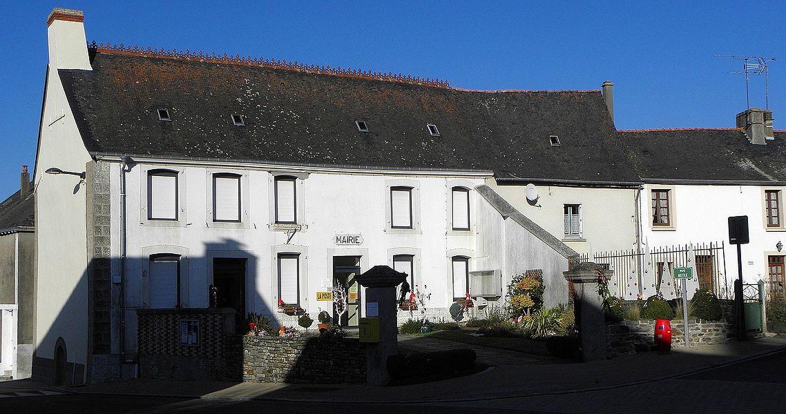 Mairie de Bourgon (53).