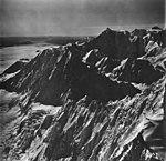Brady Glacier and snow covered Mount Bertha, September 12, 1973 (GLACIERS 5855).jpg