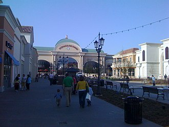 Bridge Street Town Centre - Image: Bridge Street 2