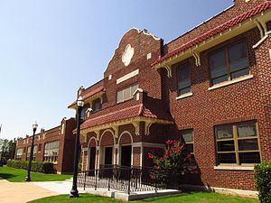 Broken Arrow, Oklahoma, Public School, built 1925 02.JPG