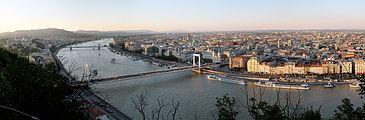 Budapest Evening Panorama from Gellert Hill.jpg
