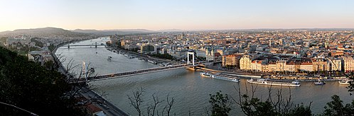 Budapest Evening Panorama from Gellert Hill.jpg