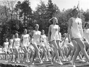 Bundesarchiv Bild 183-2000-0110-500, BDM, Gymnastikvorführung