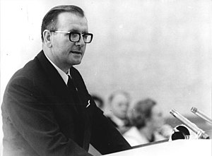 Günther Simon - Günther Simon delivering a speech in the State Council of the German Democratic Republic. 16 May 1969.
