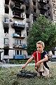 Burned apartment building in Lysychansk, July 28, 2014.jpg