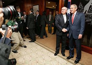 Commonwealth Parliament Offices, Sydney - Image: Bush Howard Phillip Street meeting