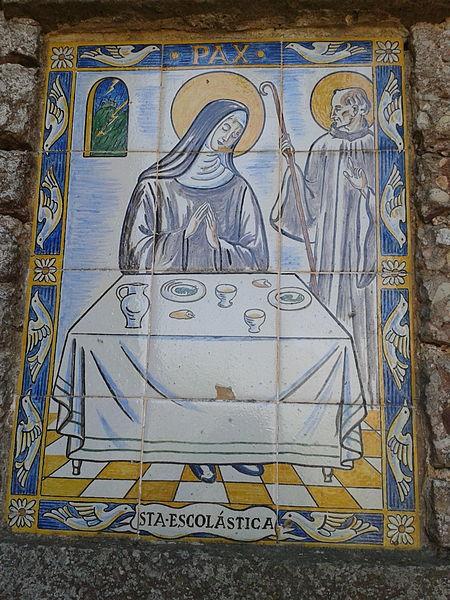 File:Camí dels Degotalls (Montserrat) - rajoles decorades - 02.jpg