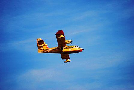 Canadair (16).JPG