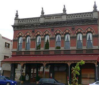 Kangaroo emblems and popular culture - Kangaroo gargoyles atop The Carlton Club (built 1889) in Carlton, Victoria.