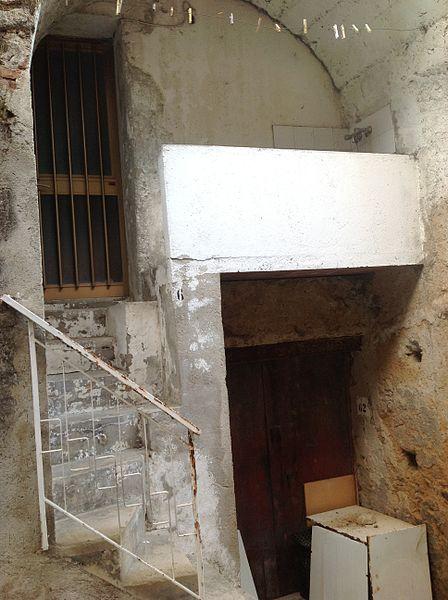 File:Casa de mi padre en Satriano.JPG