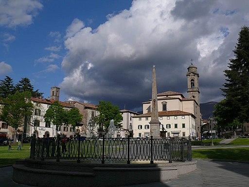 Piazza Garibaldi, Castel del Piano
