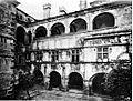 Castello di issogne, cortile e portico, fig 82 foto nigra.jpg