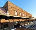 Central section of Hartford Union Station from platform, December 2017.jpg