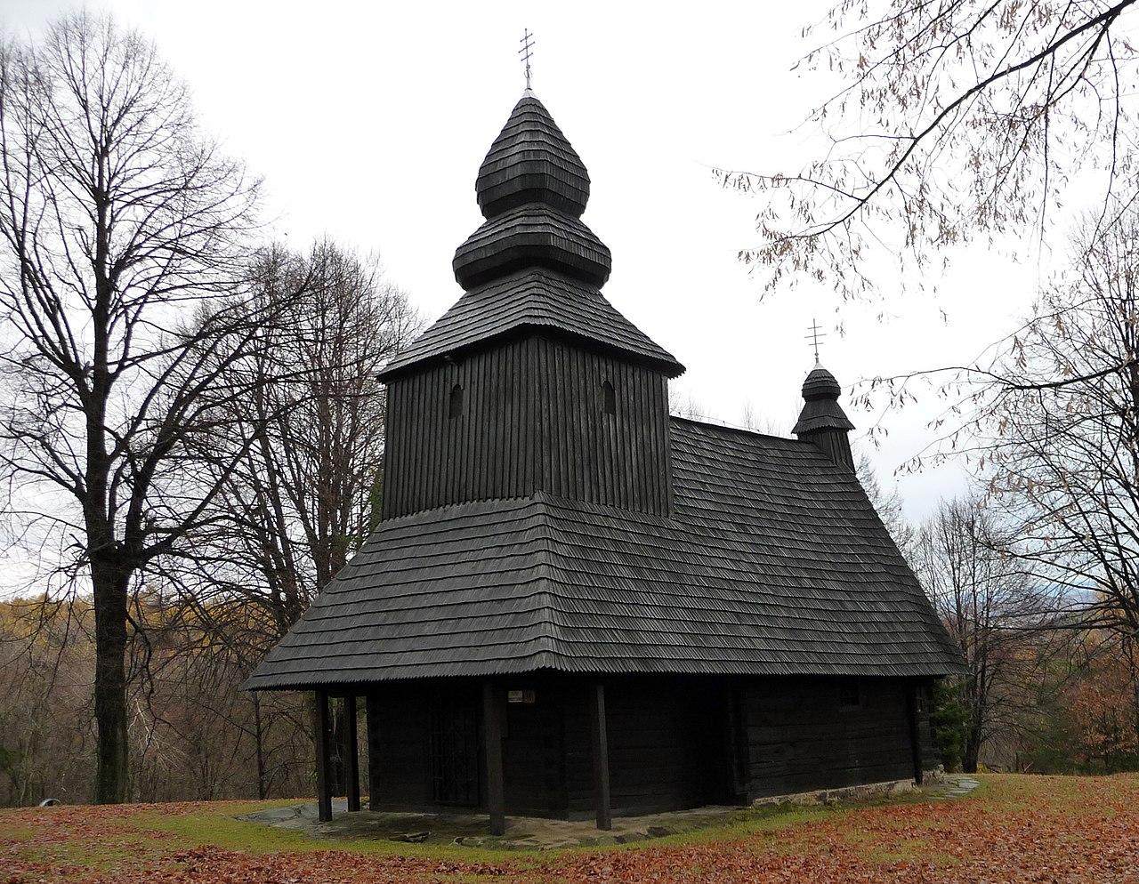 Ruská Bystrá - drevené artikulárne kostoly na východnom Slovensku