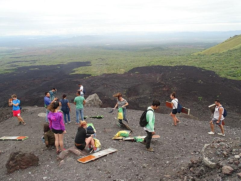 File:Cerro Negro Volcano - Near Leon - Nicaragua - 06 (31609315435).jpg