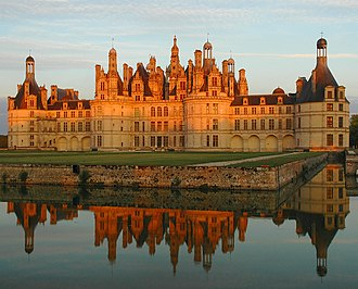 Tuffeau stone - The visual appeal of tuffeau is amply evident at the celebrated Chateau de Chambord