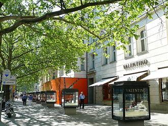 Valentino (fashion house) - Image: Charlottenburg Kurfürstendamm Valentino