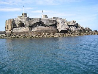 Cherbourg Harbour - Image: Cherbourg Fort de l'est