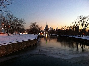 English: Downtown from Lincoln Park at dusk